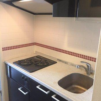 二口コンロのキッチン♪※写真はクリーニング前になります。
