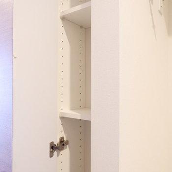 廊下にちょっとした収納が。調味料など入れても良いかも!※4階の同じ間取り別部屋の写真