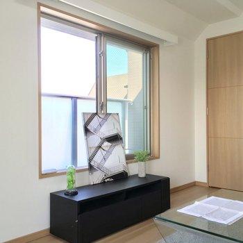 お、こっちにも窓が!※写真は4階同じ間取りの別部屋