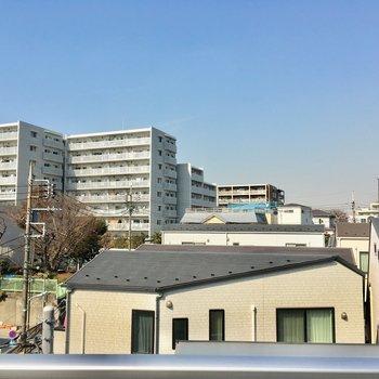 住宅街ビューですがなかなかいい感じよん※写真は4階別部屋からの眺めです