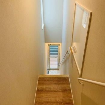 上に登って玄関の方を向くと、改めて急さが分かりますね。※写真は前回募集時のものです