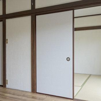 それでは、お隣の和室へ。 ※通電前の写真です