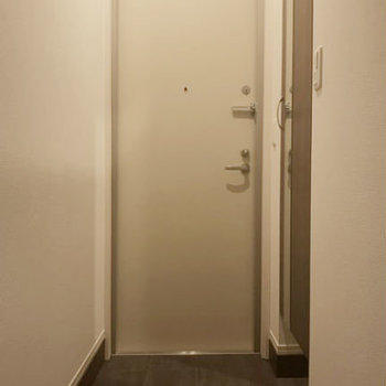 玄関もとってもゆったり!