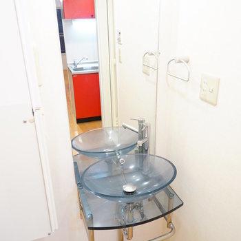 洗面台も可愛いデザイン♪  ※写真は4階の同間取りのお部屋です。