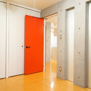 この壁が良いんですよね!  ※写真は4階の同間取りのお部屋です。