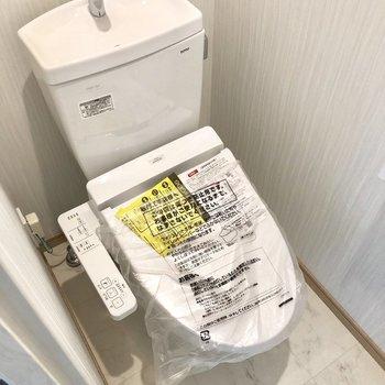 トイレも新品!ウォッシュレット付きですよ。