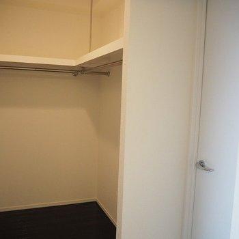 ウォークインクローゼットまで!!※写真は13階別部屋反転間取りです。