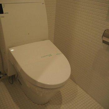 トイレ!※写真は13階別部屋反転間取りです。