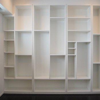 アーティスティックな棚※写真は13階別部屋反転間取りです。
