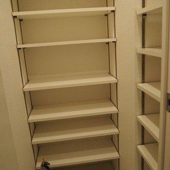 シューズボックスもかなり大きい※写真は13階別部屋反転間取りです。