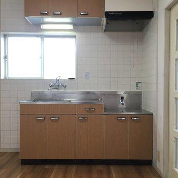 【工事前】キッチンは十分、システムです。