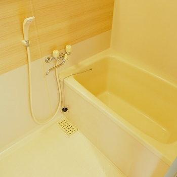 お風呂は既存ですがナチュラルにリニューアル!