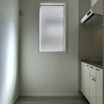 キッチンにも窓があります。このキッチンだと料理する時間が長くなりそう