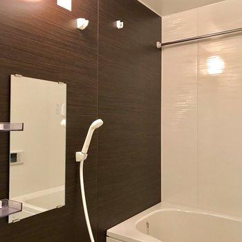 おまけに室内乾燥が付いてます※写真は1階の反転間取り別部屋のものです。