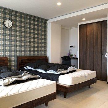 広いワンルームなので開放感がうれしい!※家具は残置物です(撤去も可能)※クリーニング前です