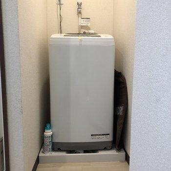 洗濯機もすっきり収納※家具は残置物です(撤去も可能)※クリーニング前です