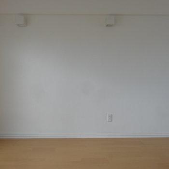 反対側も空間たっぷり。※写真は別室です