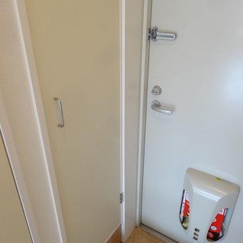 シンプルなシューズボックスもあります。※写真は別室です