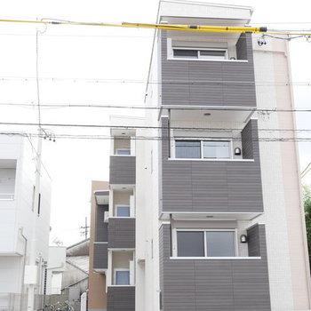 築浅アパートです