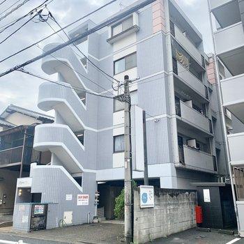 吉塚駅からまっすぐ歩くだけ!