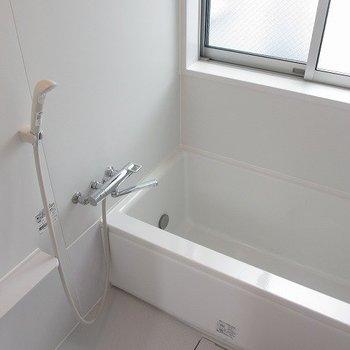 ゆったりくつろげそうなお風呂です。※写真は前回募集時のものです