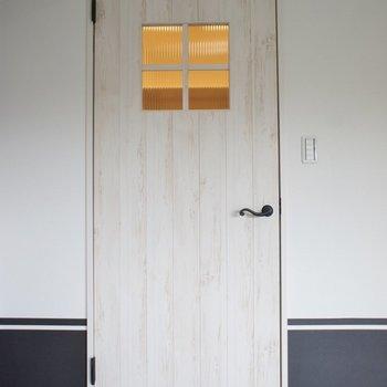 この扉がまたお洒落♪