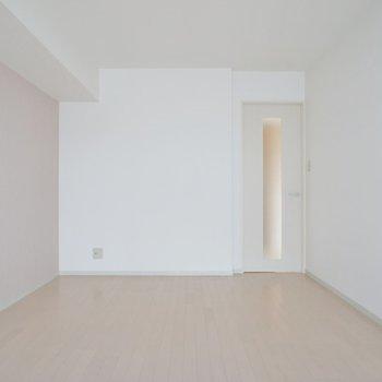 洋室もかなり広いです。