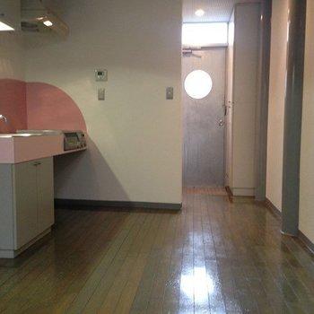 8.5帖のダイニングキッチン※1階の同間取り別部屋のものです