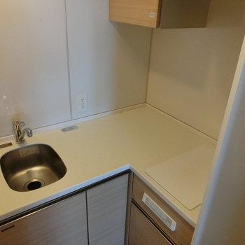 L字型のキッチンです。 ※12階同間取り別部屋の写真です