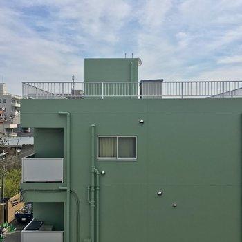 こちらリビングから。緑!※4階別部屋反転間取りの写真です。