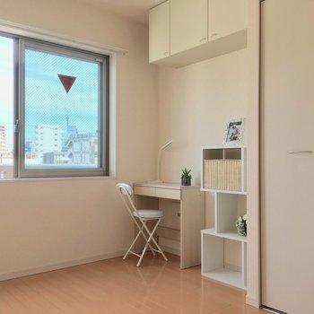 ちょっぴりコンパクトな空間です※4階別部屋反転間取りの写真です。