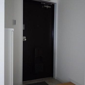 玄関にはゆとりありますよ。