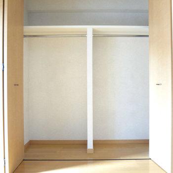収納スペースも広々。※写真は4階の反転間取り別部屋のものです