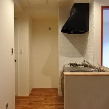 キッチンはゆったりですよ。※写真は別部屋です
