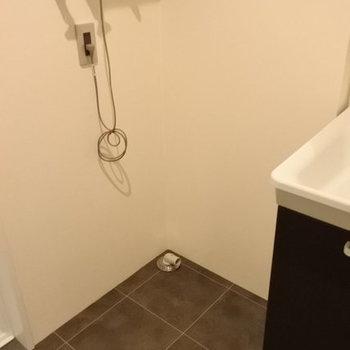 洗濯機はこちらに