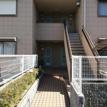お部屋へは階段で!