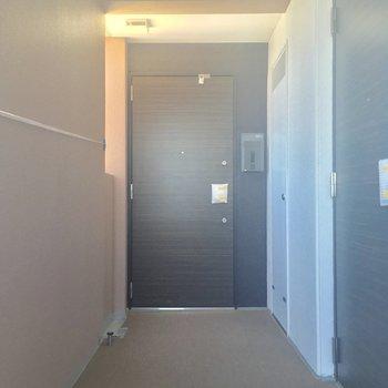 共用部は、静かな屋内タイプ。最上階の角部屋です!