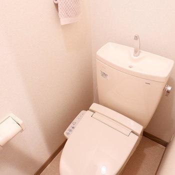 トイレはしっかりと個室。