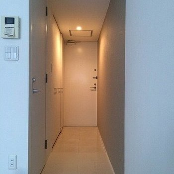 綺麗な空間。※写真は2階の同じ間取り別部屋です。