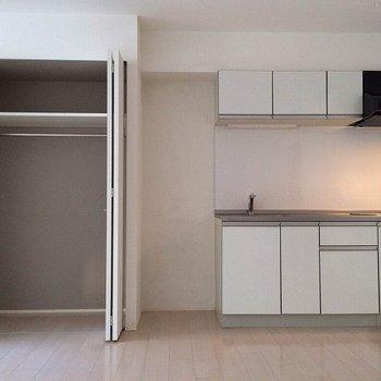 開けてみました。※写真は2階の同じ間取り別部屋です。