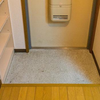 玄関の広さはこんな感じ※写真は2階の同間取り別部屋のものです。