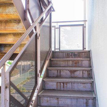 階段登ってすぐのお部屋