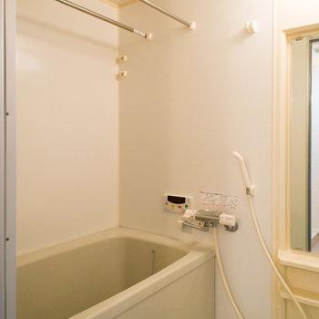 嬉しい♪追い炊き機能&浴室乾燥機※写真は同間取り別部屋のものです。