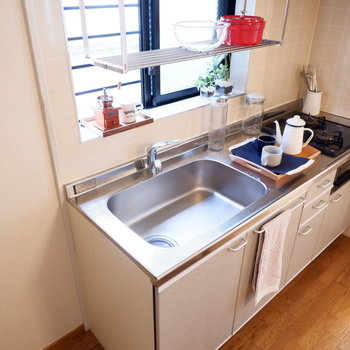 調理スペースも十分ですね!足りない場合は後ろのテーブルを調理台として!