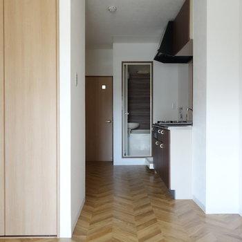 居室部分は6.5帖ほどの広さですよ。