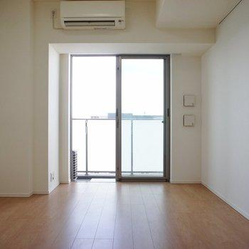 うん、シンプルです! ※13階同間取り別部屋の写真です