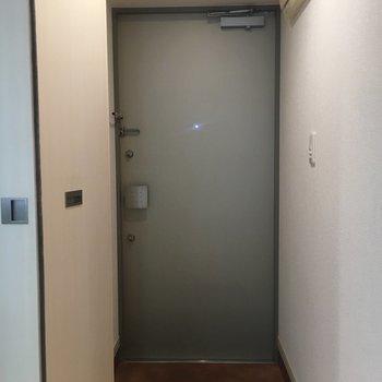 シンプルイズベストな玄関。