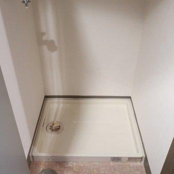 洗濯機置場は扉を閉めれば丸ごと隠せちゃう!