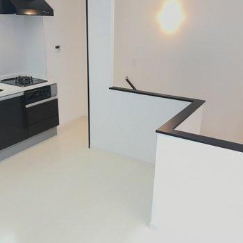 キッチンと階段