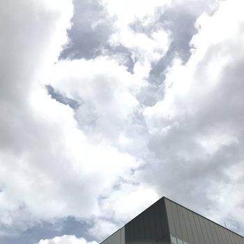 バルコニーから見えた青空
